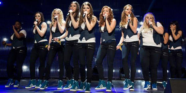 Pitch Perfect 2 group sing