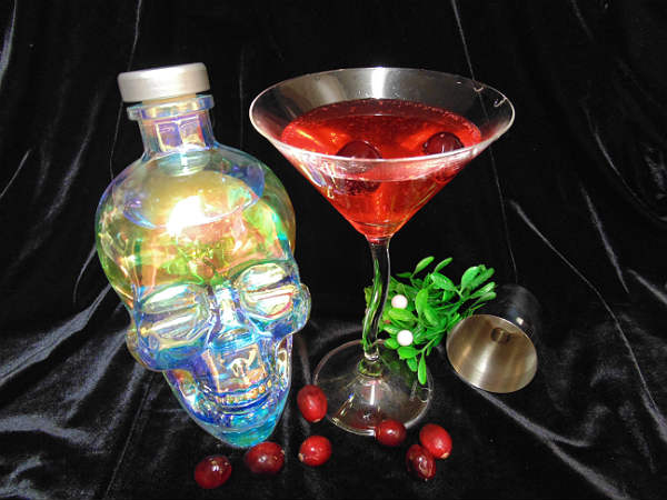 Hot Berry-tini Cocktail Recipe featuring Crystal Head Aurora Vodka by zengrrl.com