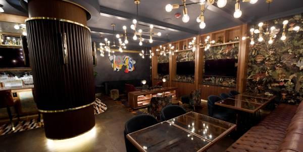 Circa Resort & Casino - Barry's